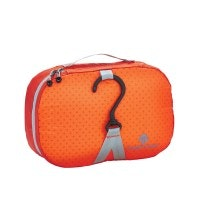 Eagle Creek™ - ultra-light and water-resistant 4 litre wash bag.