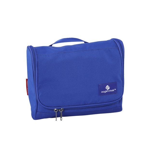 Eagle Creek - stand-up 5.5 litre toiletry kit.