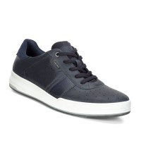 Highly breathable, tennis inspired trainer.