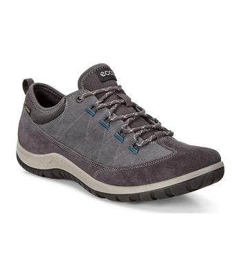 Casual waterproof walking shoe.
