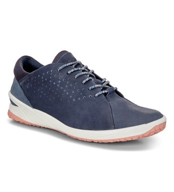Sporty leather trainers.