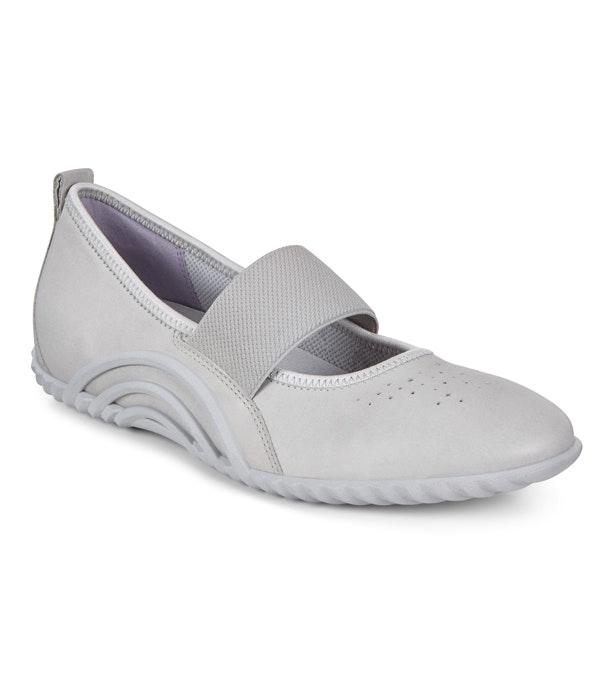 ECCO Biom Vibration 1.0 - Sporty ballerina-style shoes.