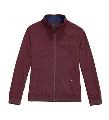 Functional upgrade on the classic bomber jacket style.