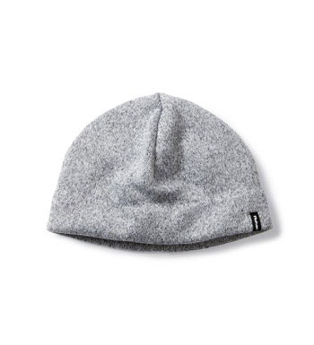 Quick-drying knit-effect fleece hat.