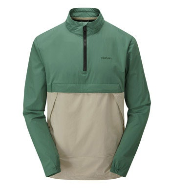 A classic reborn – the Goa Top is a lightweight, packable, softshell overhead.