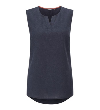 Smart linen blend top with easycare functionality.